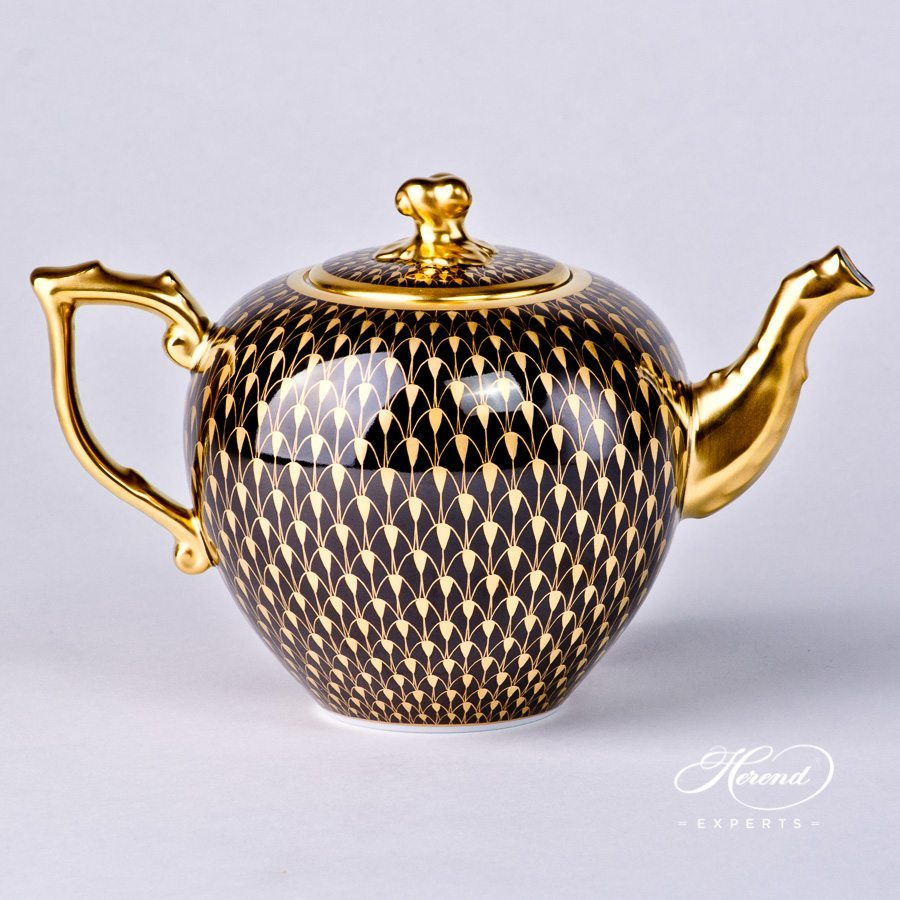 Tea Pot with Twisted Knob 20606-0-06 VHN-OR Gold Fish Scale pattern. Herend porcelain hand painted