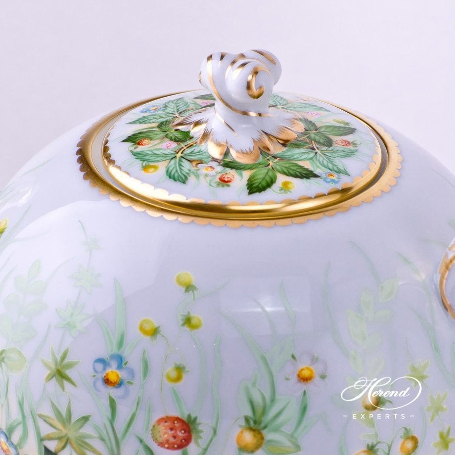 Tea Pot with Twisted Knob 20605-0-06 FSB Strawberry pattern. Herend porcelain hand painted