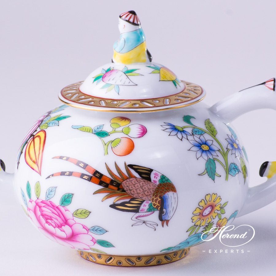 Tea Pot w. Mandarin Knob 3305-0-21 SP225 Luxurious Butterfly pattern. Herend fine china hand painted. Oriental style tableware