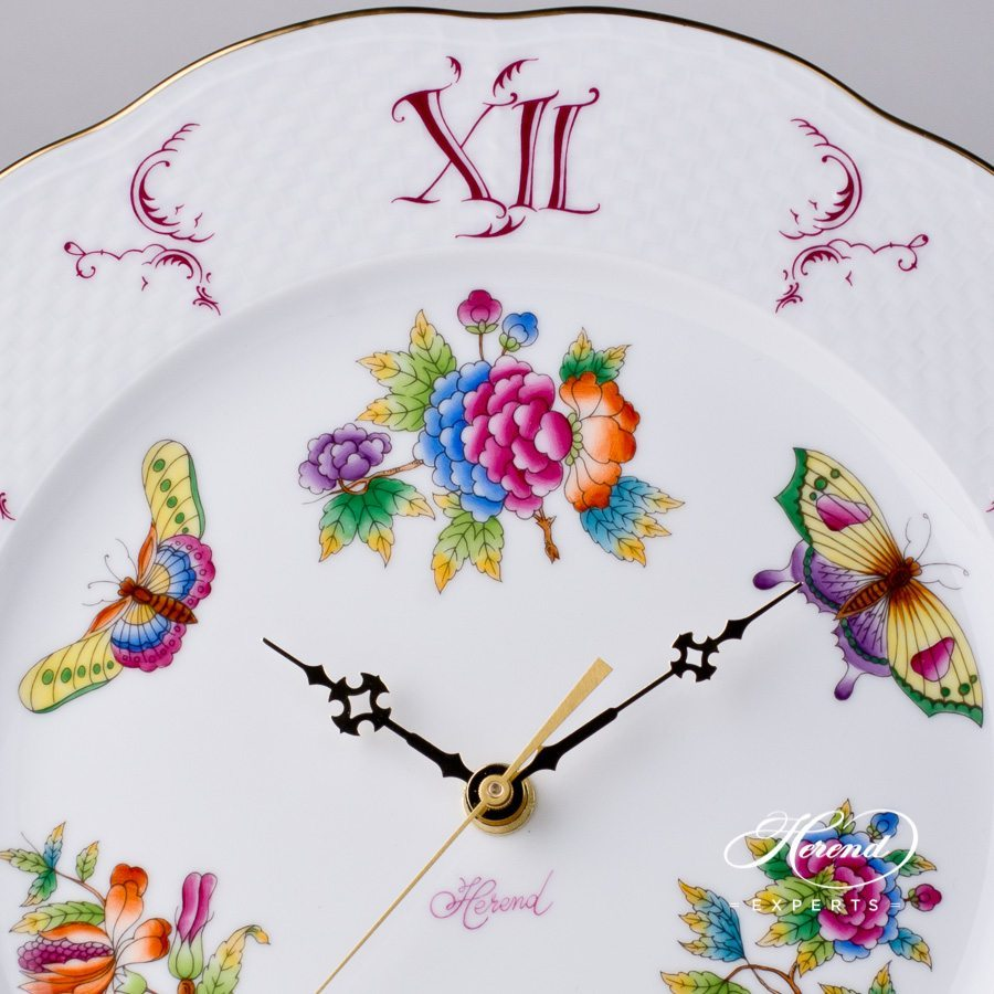 Wall Clock 527-0-47 V Queen Victoria pattern. Herend Fine china hand painted. Ornaments. Battery powered