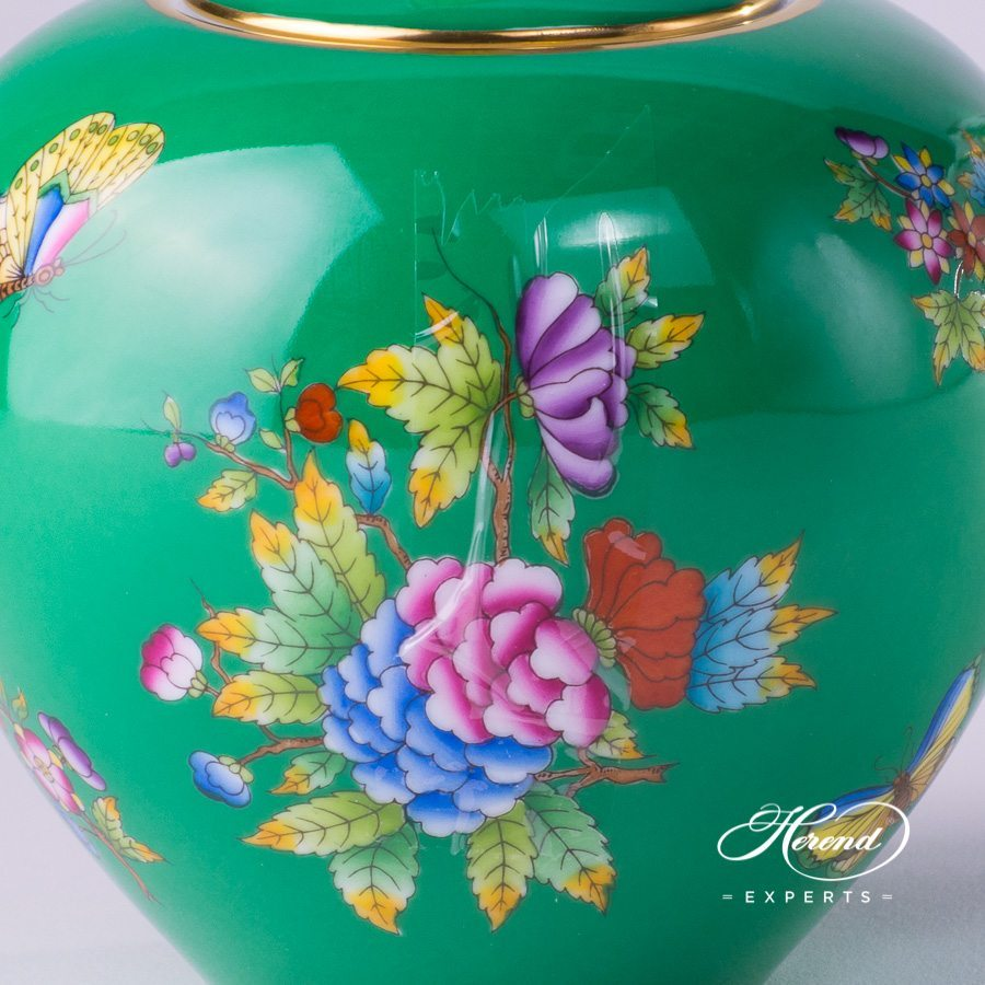 Tea Pot with Butterfly Knob 20606-0-17 VE-FV Green Queen Victoria pattern - Herend porcelain hand painted