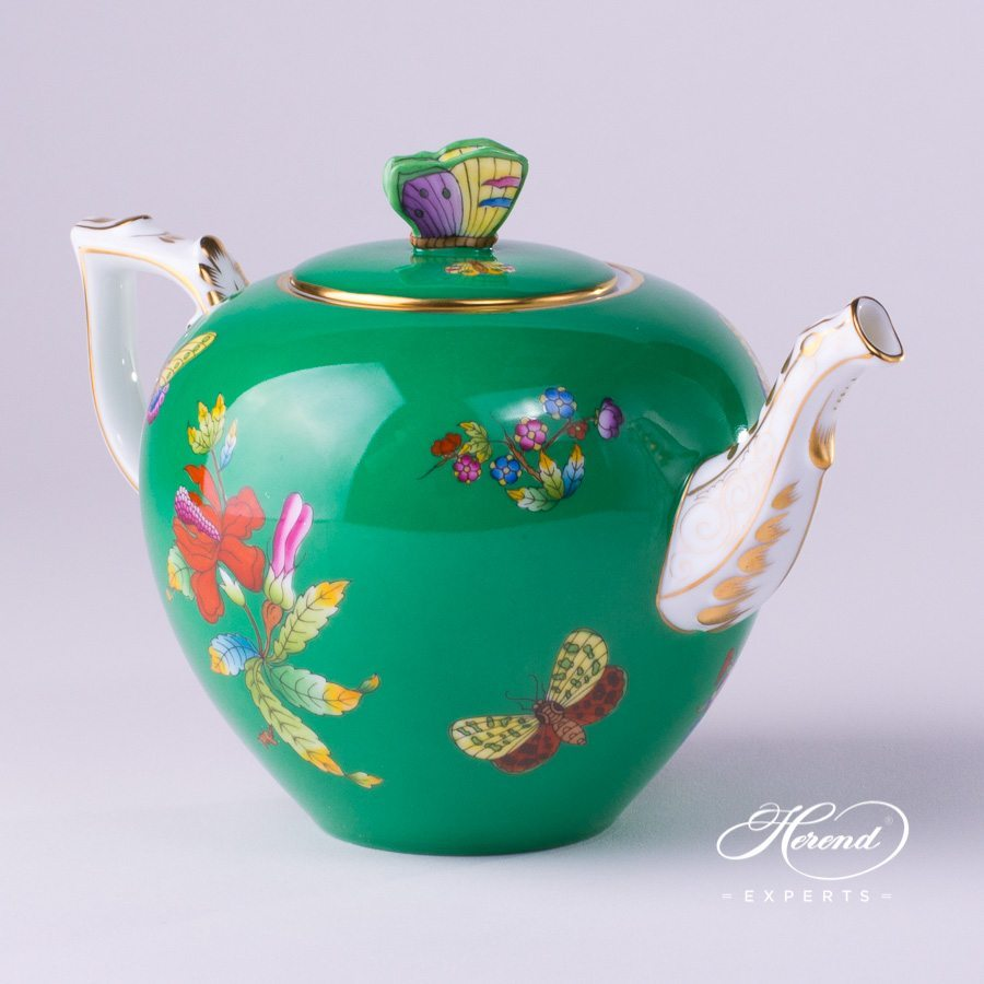 Tea pot queen victoria on green background herend experts Green tea pot set