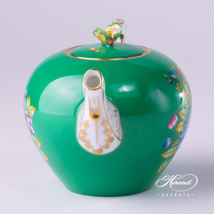 Tea Pot with Butterfly Knob 20608-0-17 VE-FV Green Queen Victoria pattern - Herend porcelain hand painted