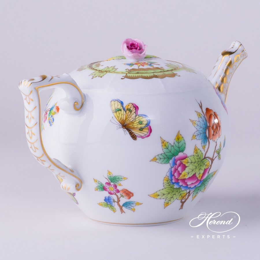 Tea Pot with Rose Knob 604-0-09 VBO Queen Victoria pattern. Herend porcelain hand painted