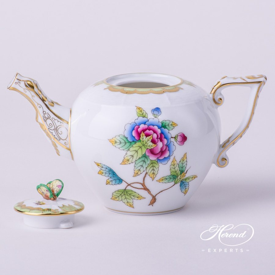Tea Pot with Butterfly Knob 608-0-17 VBO Queen Victoria pattern. Herend porcelain hand painted