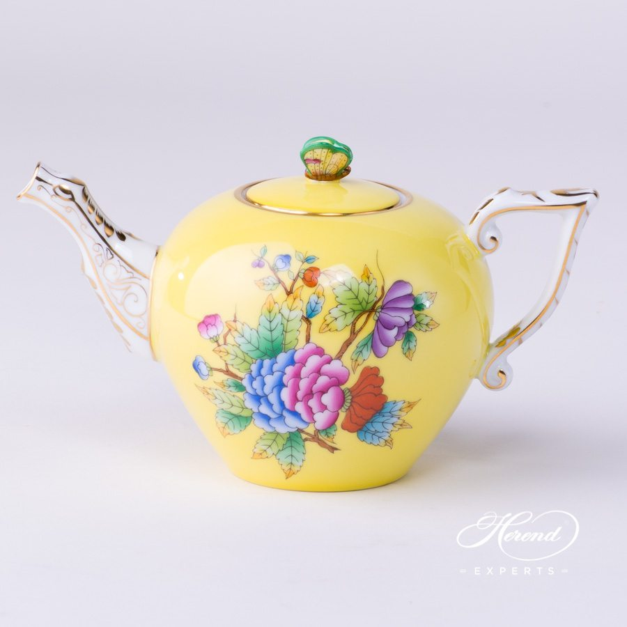 Tea Pot with Butterfly Knob 20608-0-17 VE-FJ Yellow Queen Victoria pattern - Herend porcelain hand painted.