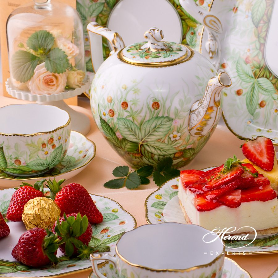 Tea Set for 4 Persons Strawberry FSB pattern. Herend porcelain handpainted