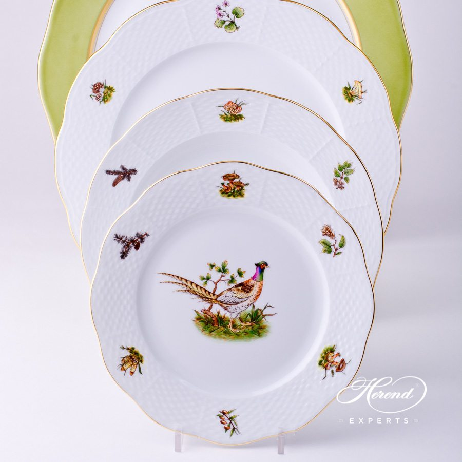 Place Setting 4 Pieces - Herend Hunter Trophies CHTM Naturalistic pattern. Herend porcelain dinnerware. Hand painted