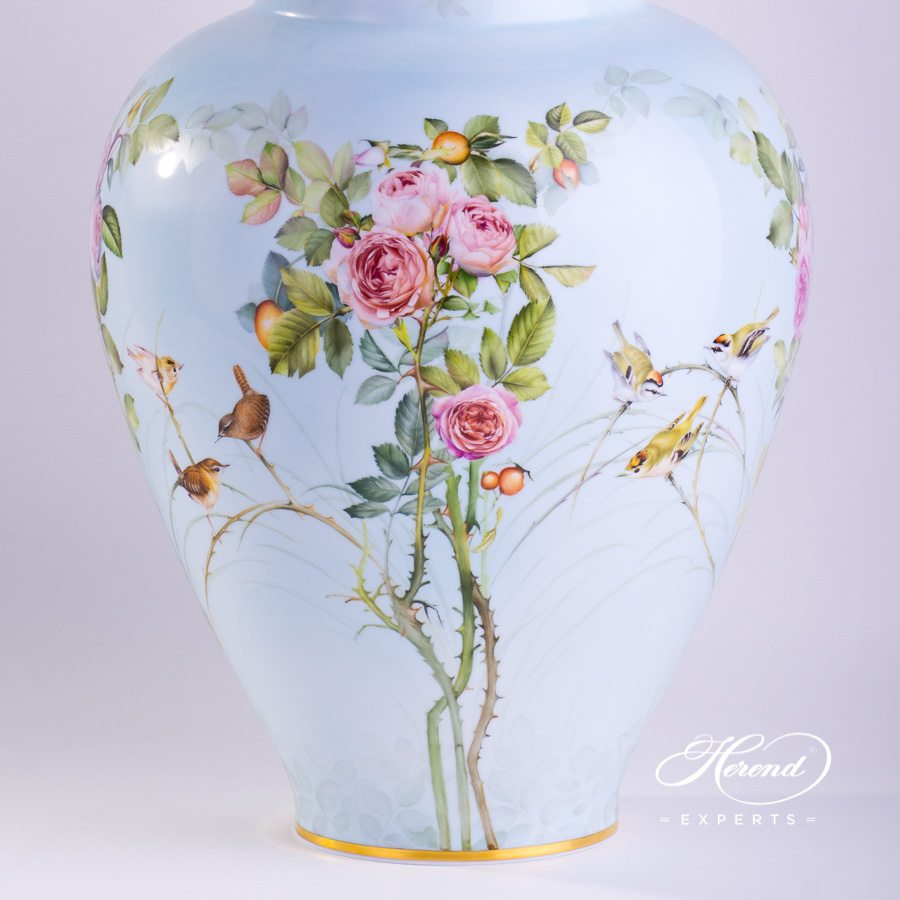 Big Vase 6571-0-15 SP868 Special Rose Garden pattern. Herend porcelain hand painted