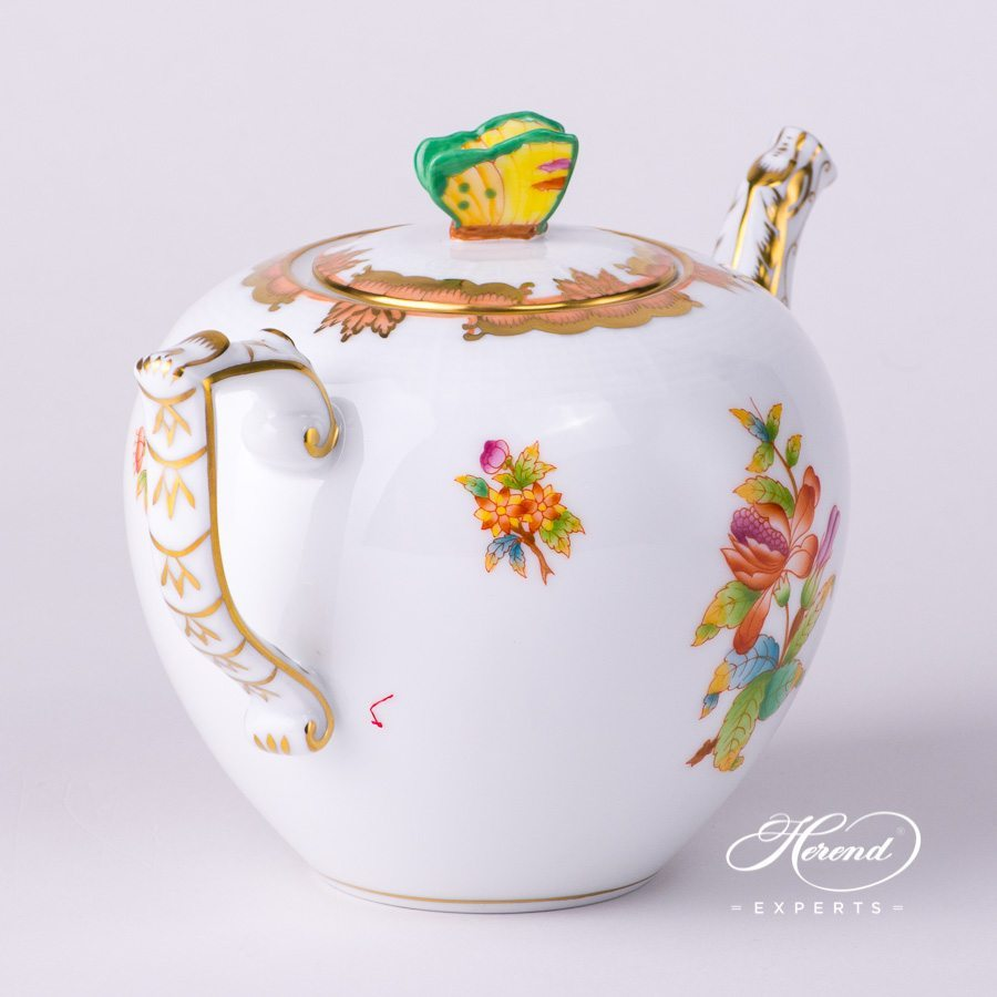 Tea Pot w. Butterfly 606-0-17 AVBO Anniversary Queen Victoria design. Herend fine china tableware. Hand painted