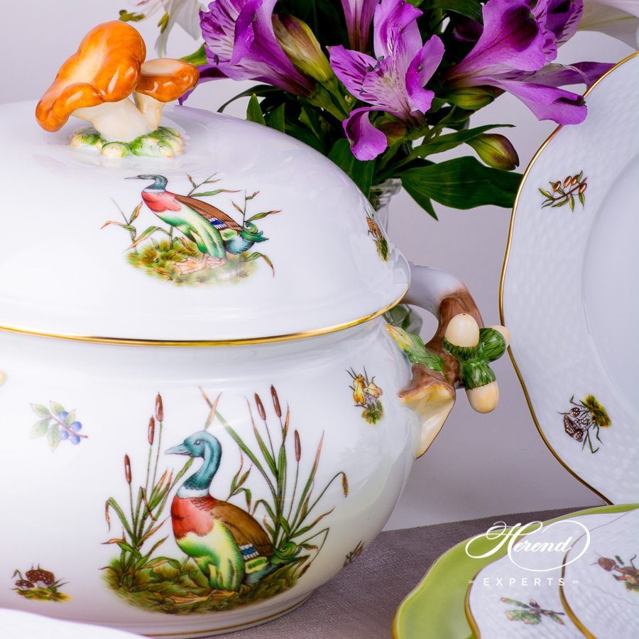 Dinner Set for 2 Persons - Hunter Trophies CHTM Naturalistic pattern. Herend porcelain dinnerware. Hand painted