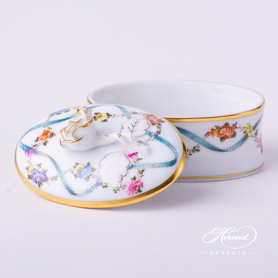 Fancy Box w. Rose Knob 6114-0-09 FLR Flower Garland w. Blue Ribbon design. Herend fine china hand painted. Classic style
