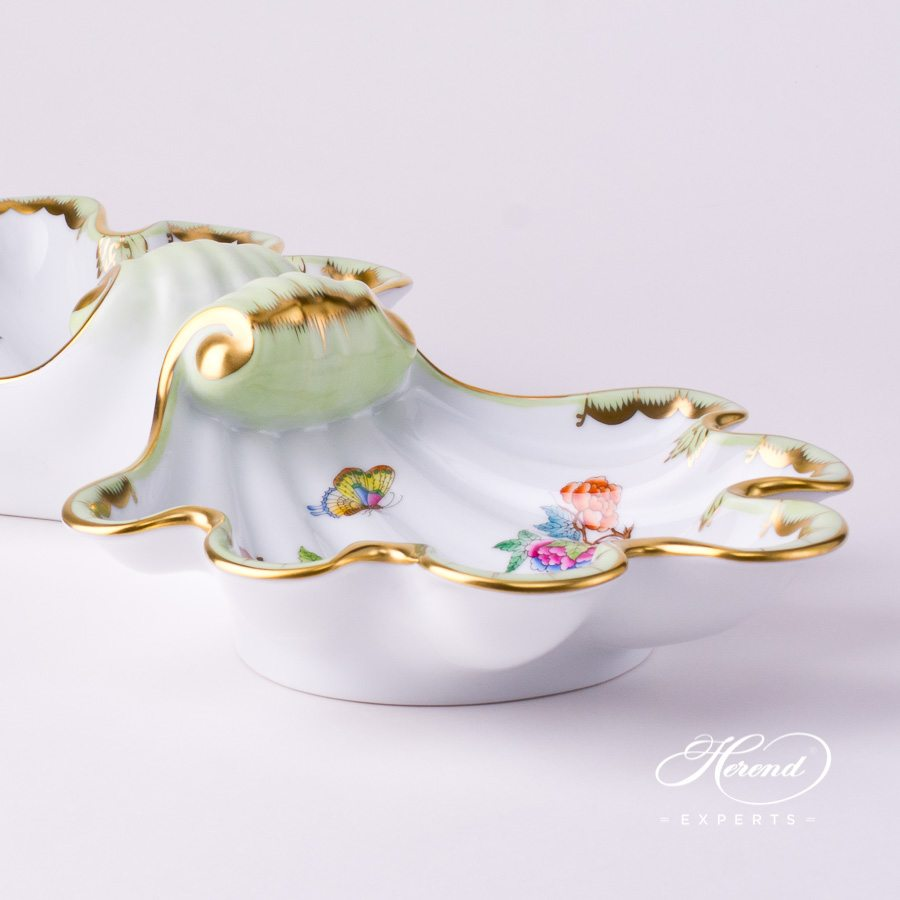 Double Shell7522-0-00 VBA Queen Victoria design. Herend fine china tableware. Hand painted. Fancy centerpiece