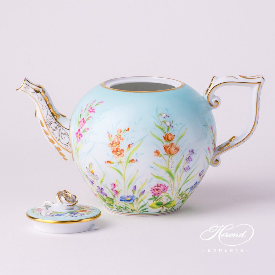 Tea Pot w. Rose Knob 20605-0-09 QS Four Seasons Flower design. Herend fine china hand painted. Luxury item