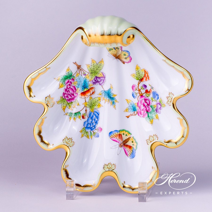 Shell 7521-0-00 VBO Queen Victoria decor. Herend porcelain tableware. Hand painted