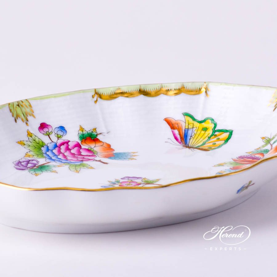 Oval Dish212-0-00 VBO Queen Victoria decor. Herend porcelain tableware. Hand painted