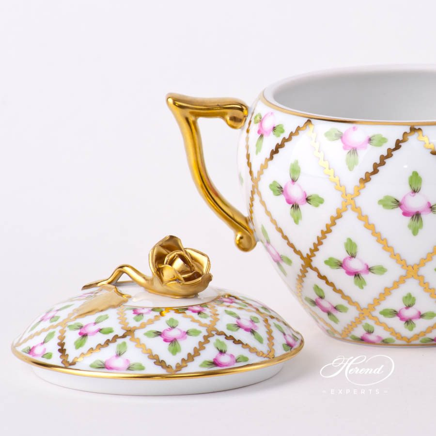Sugar Basin w. Rose Knob 20471-0-09 SPROG Sevres Roses design. Herend fine china hand painted. Classical and Luxury Herend pattern