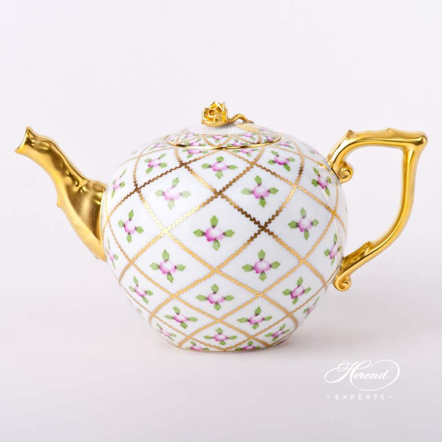 Tea Pot with Rose Knob 20604-0-09 SPROG Sevres Roses decor. Herend porcelain tableware. Hand painted