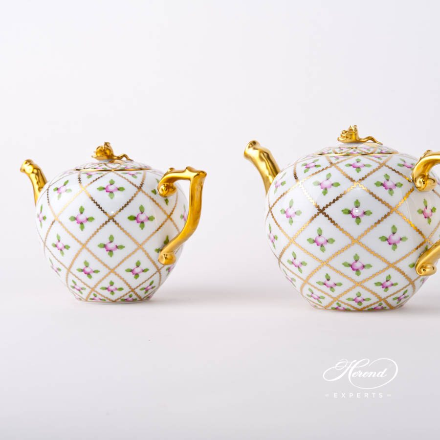 Tea Pot with Rose Knob 20606-0-09 and 20604-0-09 SPROG Sevres Roses decor. Herend porcelain tableware. Hand painted