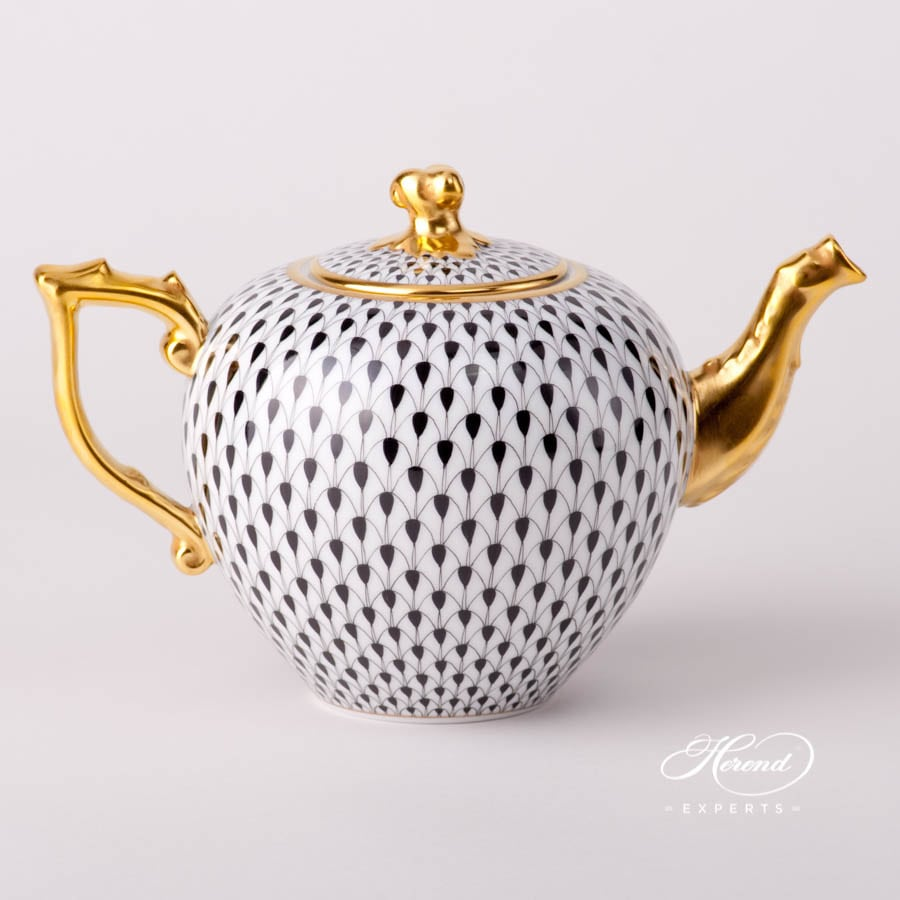 Tea Pot with Twisted Knob 20606-0-06 VHN Black Fish Scale design. Herend fine china tableware. Hand painted