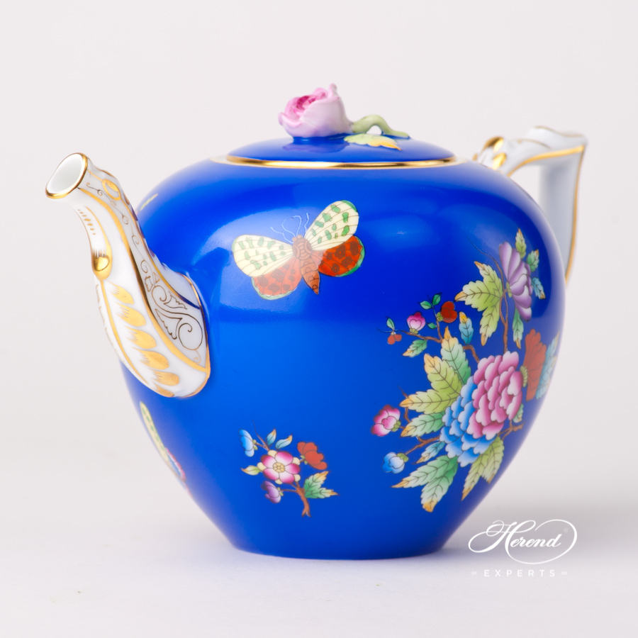 Teapot with Butterfly Knob 20606-0-09 VE-FB Queen Victoria VBO design on Blue Background. Herend fine china tableware. Hand painted