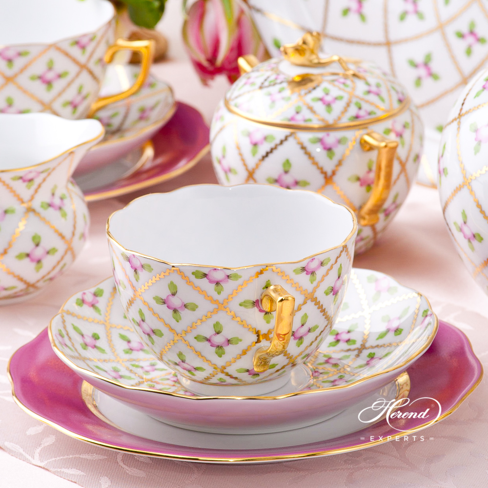 Tea Set w. Cake Plate for 2 Persons - Sevres Roses SPROG design. Herend fine china hand painted. Classic Herend pattern