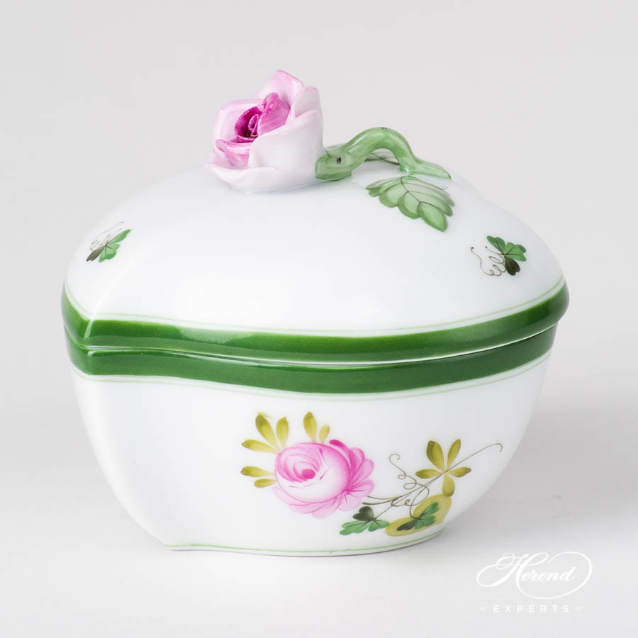 Fancy Box w. Rose Knob 6005-0-09 VRH Vienna / Viennese Rose Green pattern. Heart Shaped. Herend fine china hand painted