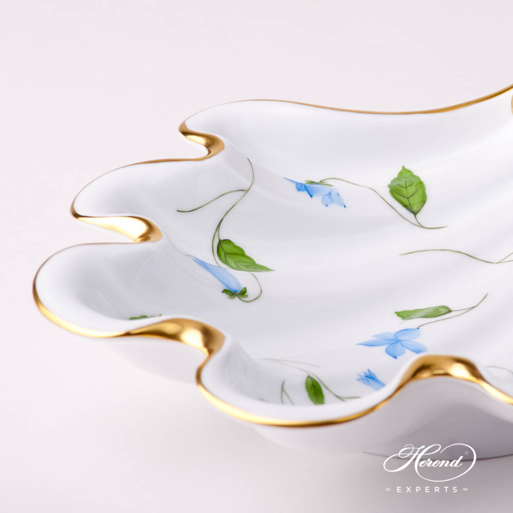 Shell 7521-0-00 CMU Bluebell / Campanula Blue pattern. Herend fine china hand painted. Modern style tableware. Fancy Centerpiece
