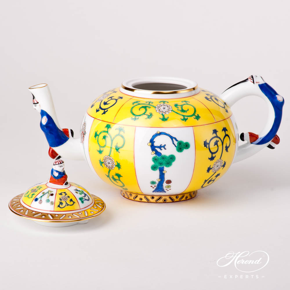 Tea Pot w. Mandarin Knob 3304-0-21 Siang Yellow design. Herend fine china tableware. Hand painted
