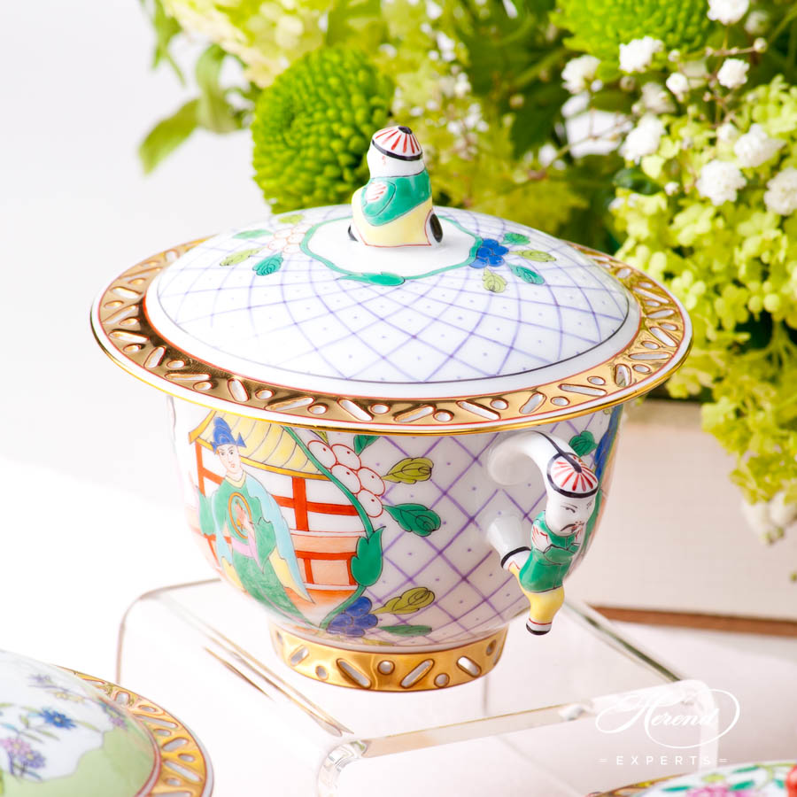 Oriental Cup w. Lid 3353-0-21 SCCH Chinese Scenes pattern. Herend fine china hand painted. Oriental style Universal Cup