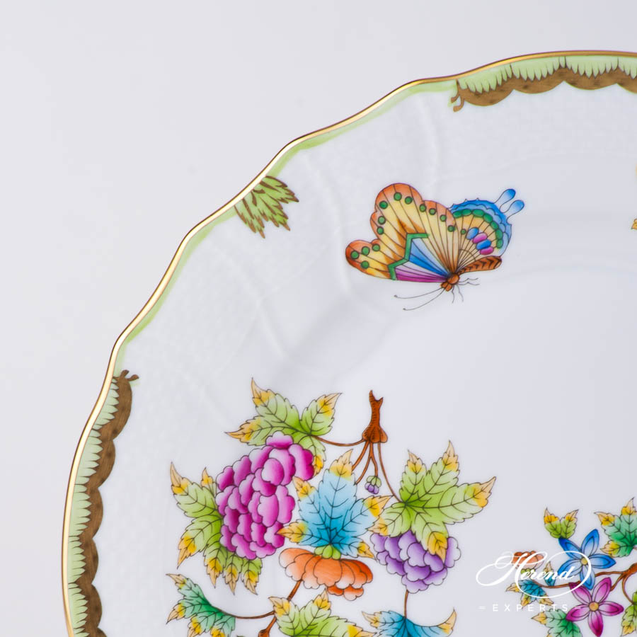Dinner Plate 1524-0-00 VBO Queen Victoria design. Herend fine china tableware. Hand painted