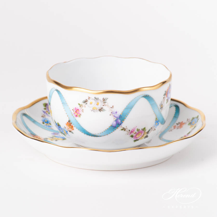 Tea Cup w.Saucer 20724-0-00 FLR Flower Garland w. Blue Ribbon pattern. Herend fine china hand painted. Classic style tableware
