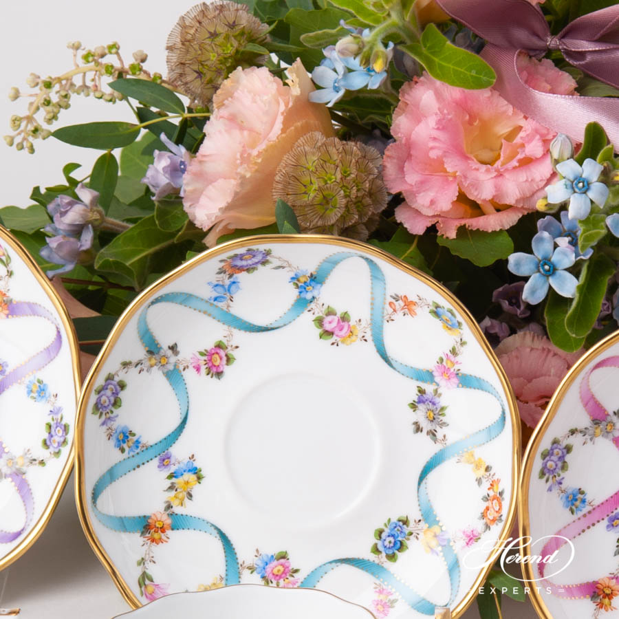 Tea Cup w.Saucer 20724-0-00 FLR Flower Garland w. Blue Ribbon pattern. Herend fine china hand painted. Classical style tableware