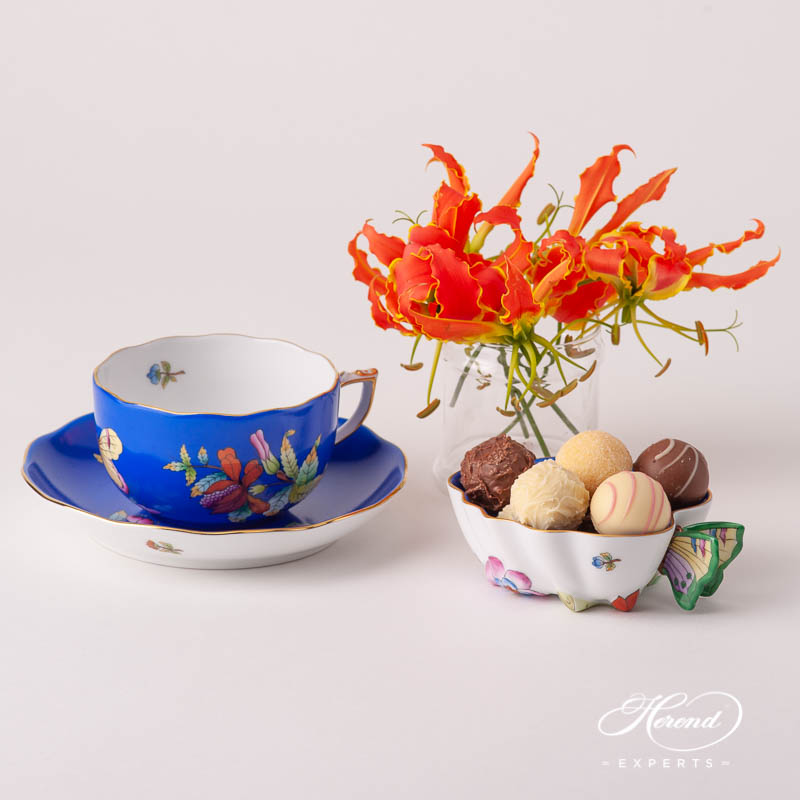 Sugar Bowl w. Butterfly Handle 2492-0-17 VE-FB Queen Victoria VBO design on Blue Background. Herend fine china