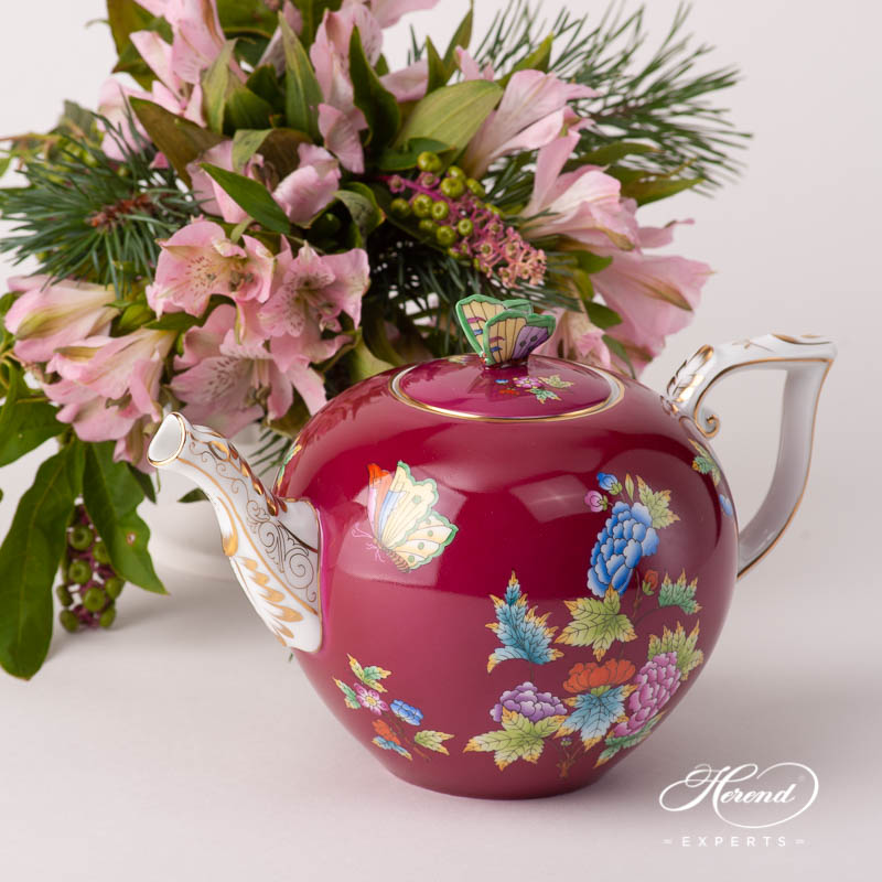 Large Tea Pot w. Butterfly Knob 20604-0-17 VE-FP Queen Victoria Purple design. Herend fine china