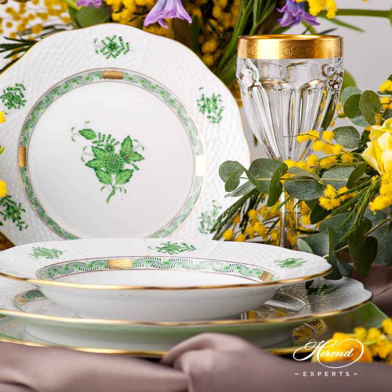 Place Setting 5 Pieces - Herend Chinese Bouquet / Apponyi Green AV design. Herend fine china
