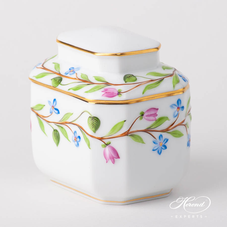 Embossed Fancy Box / Tea Caddy 6083-0-00 C - Natural design. Herend fine china