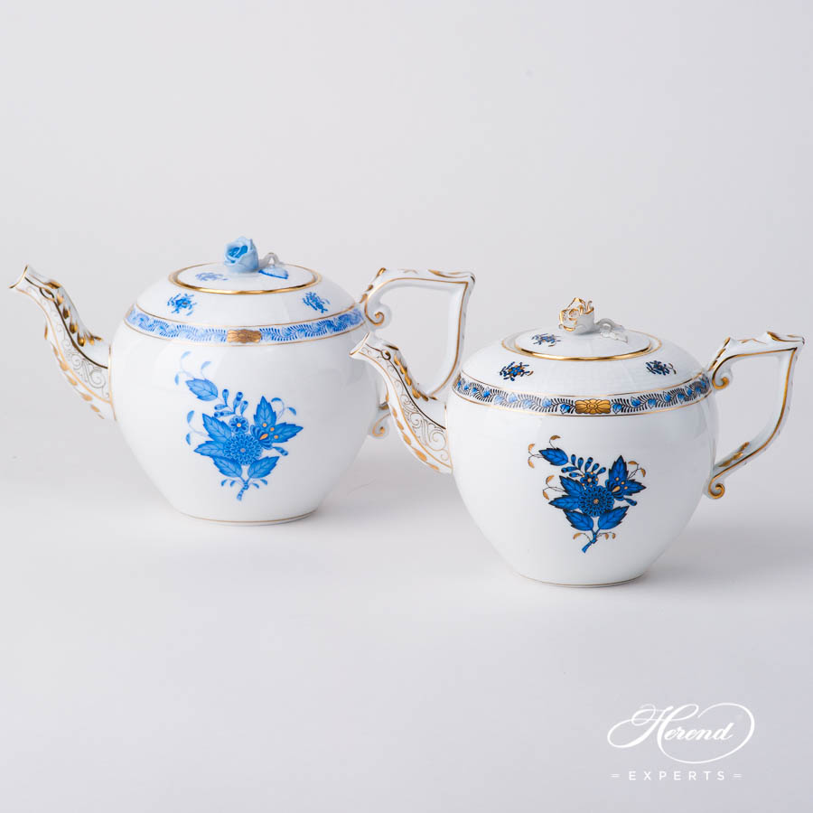 Tea Pot w. Rose Knob 606-0-09 AB3-X1 Chinese Bouquet / Apponyi Navy Blue design. Herend fine china