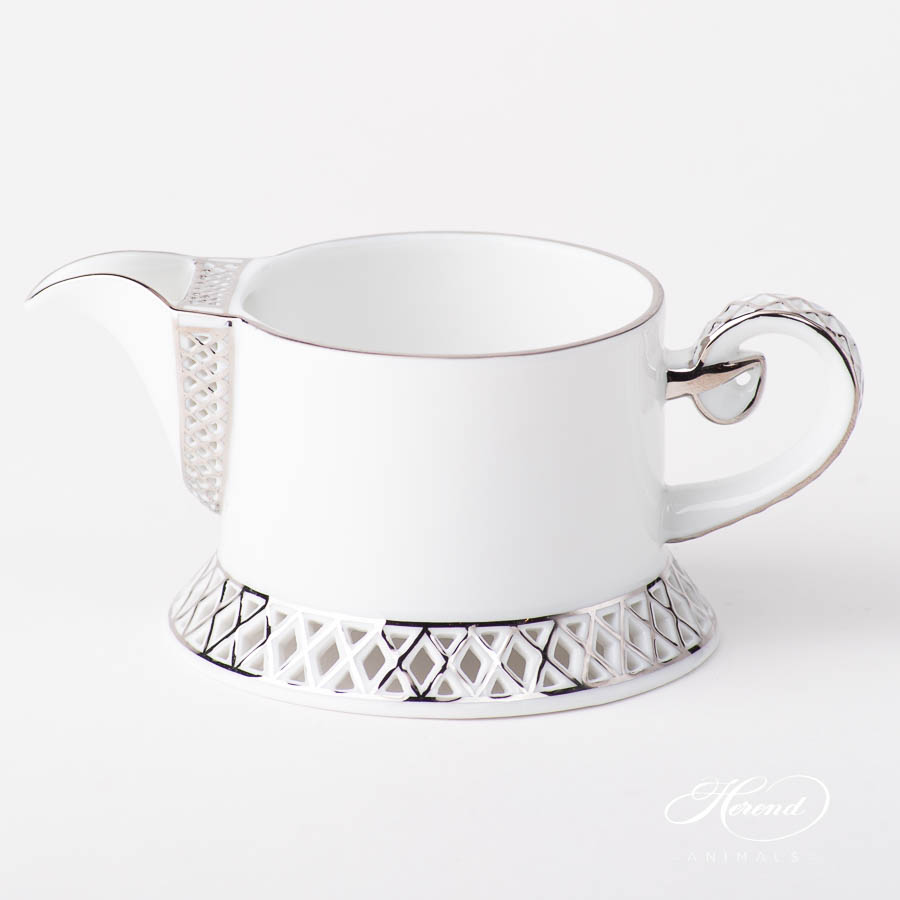 Creamer / Milk Jug 4759-0-00 BABOS-PT Platinum Edge design. Herend fine china
