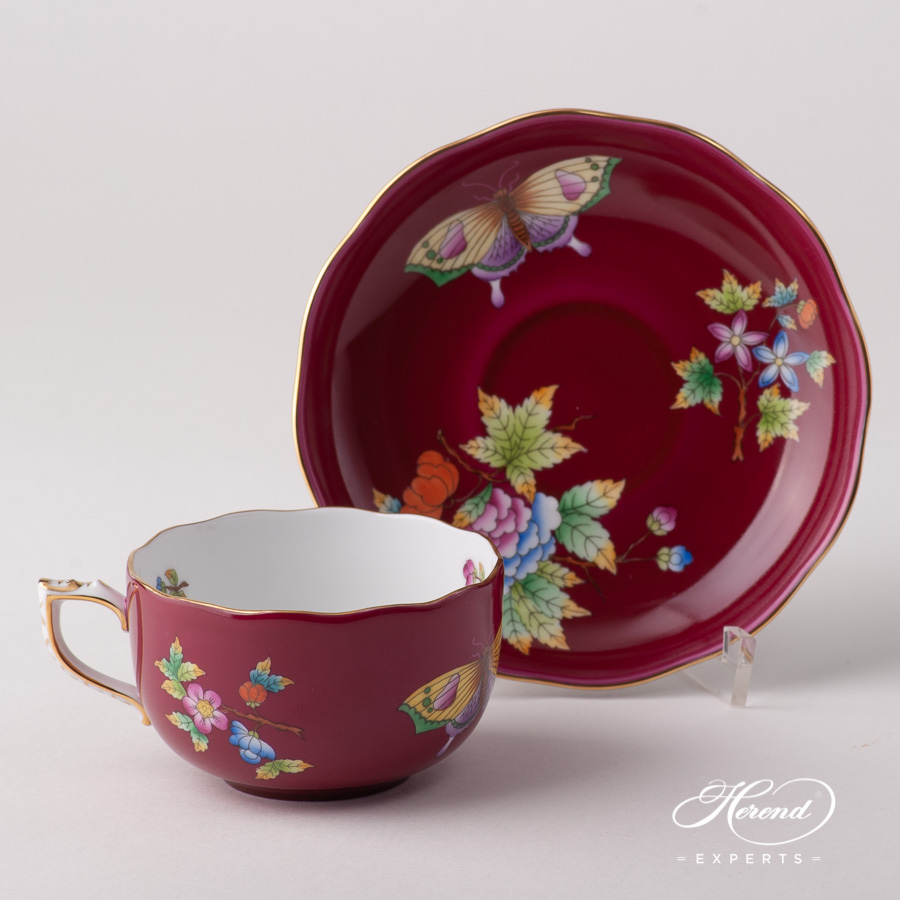 Tea Cup w. Saucer 20724-0-00 VE-FP Queen Victoria VBO design on Purple Background. Herend fine china