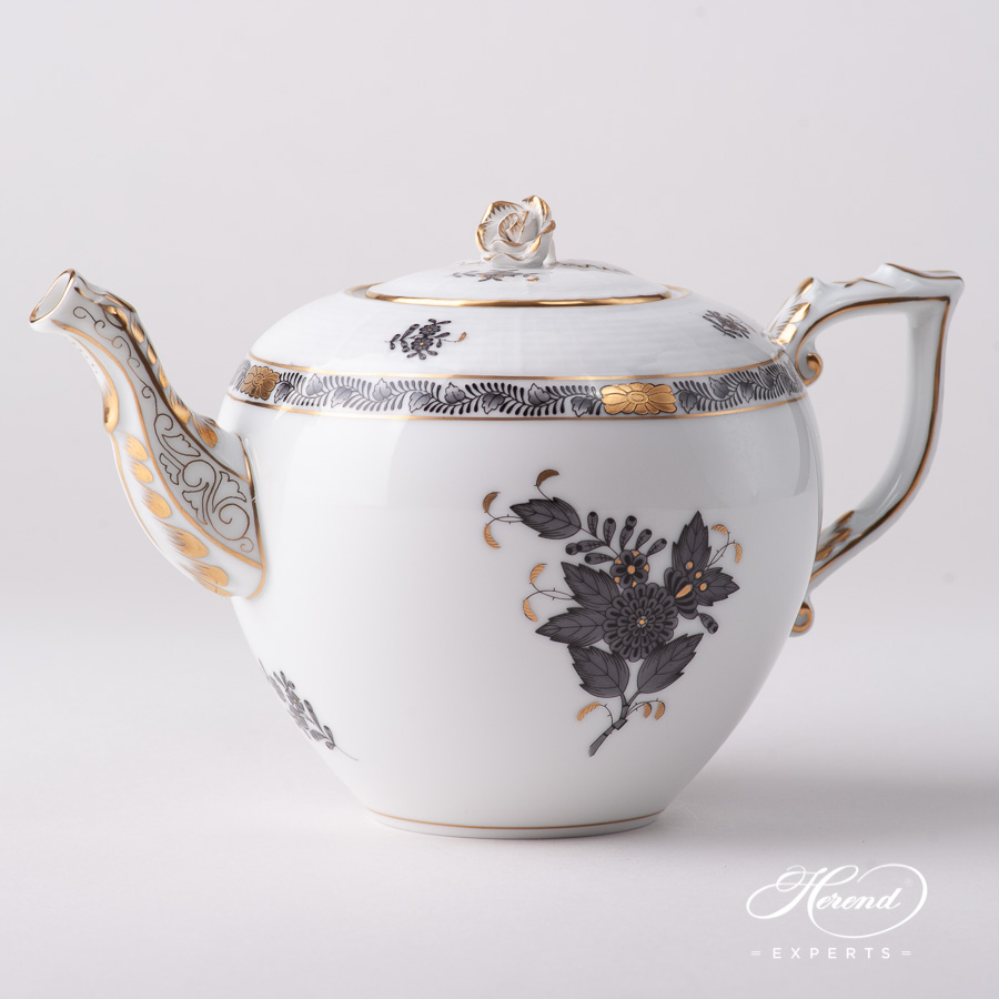 Tea Pot w. Rose Knob 606-0-09 ANG Chinese Bouquet / Apponyi Black pattern. Herend fine china