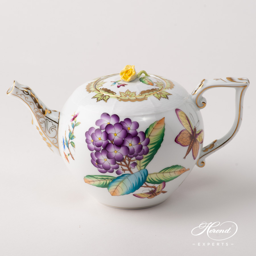 Tea Pot w. Rose Knob 604-0-09 VICTORIA - Old Queen VICTORIA design. Herend fine china