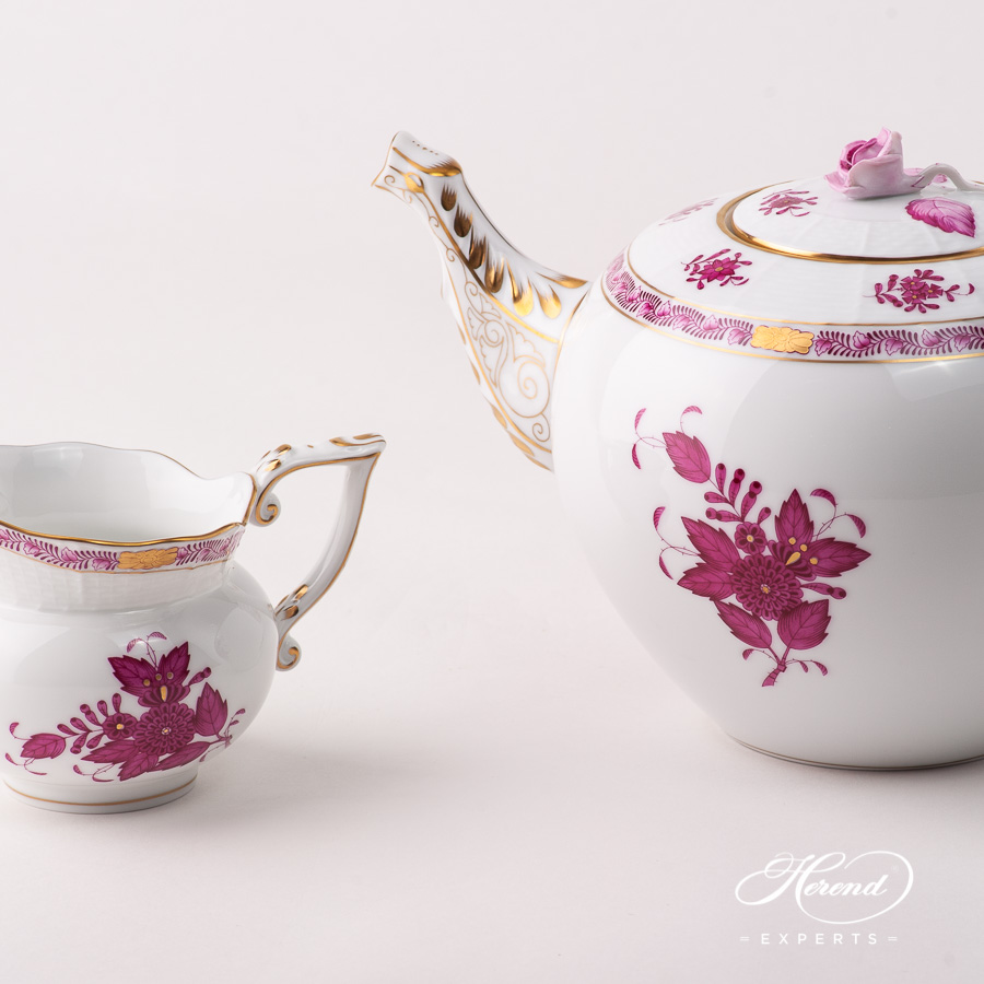 Tea Pot w. Rose Knob 603-0-09 AP Chinese Bouquet Raspberry / Apponyi Purple pattern. Herend fine china