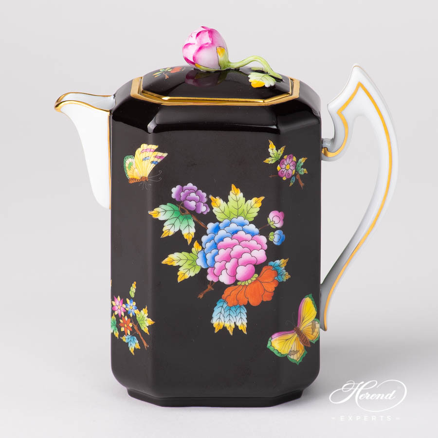 CoffeePot w.Bud Knob 4472-0-12 VE-FN Queen Victoria on Black Background pattern. Herend porcelain