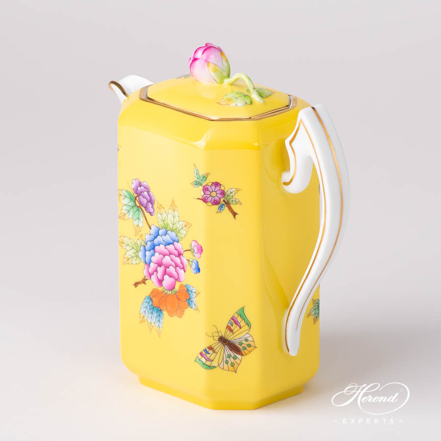 Coffee Pot w. Bud Knob 4472-0-12 VE-FJ Queen Victoria on Yellow Background - VE-FJ pattern. Herend porcelain