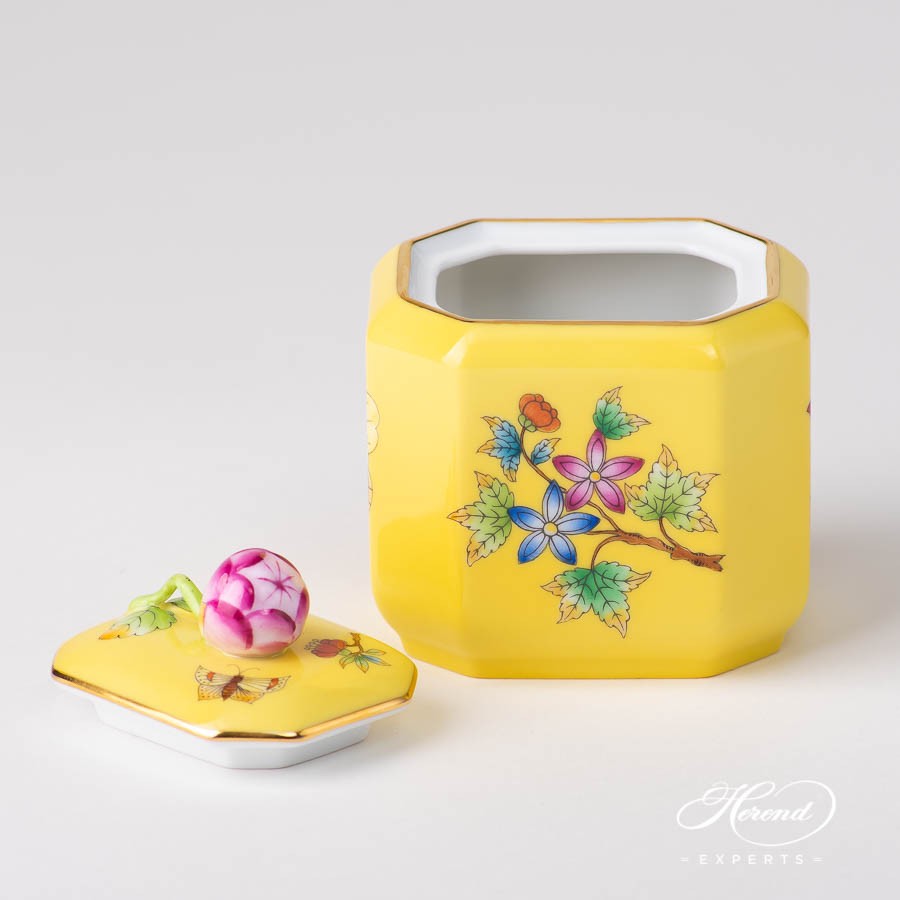 Sugar Basin w. Bud Knob 4473-0-12 VE-FJ Queen Victoria on Yellow Background - VE-FJ pattern. Herend porcelain
