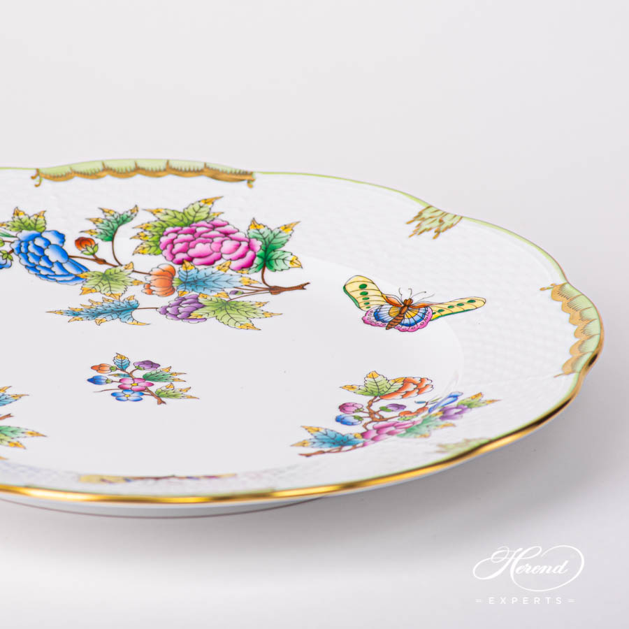 Serving Plate / Dinner Plate527-0-00 VBO Queen Victoria design. Herend fine china