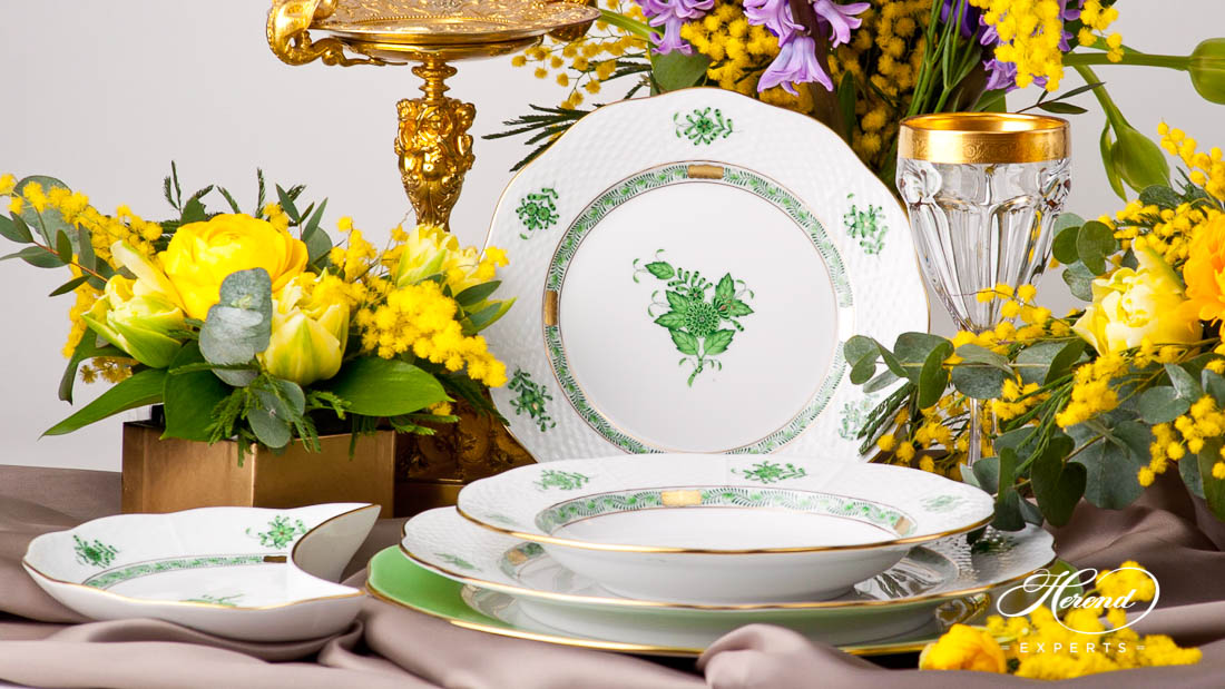 Apponyi place setting with Green-Gold colour variant.