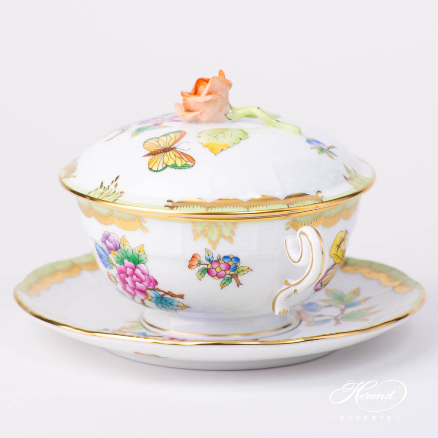 Soup Cup with Lidand Saucer744-0-09 VBO Queen Victoria pattern. Classic design. Herend fine china