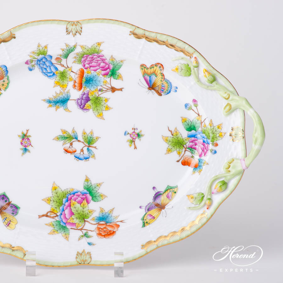 Oval Dish with Handles123-0-00 VBO Queen Victoria pattern. Classic design. Herend fine china